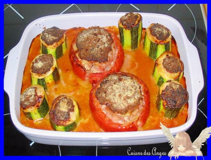 recette de famille des tomates farcies à la viande avec de la sauce tomate