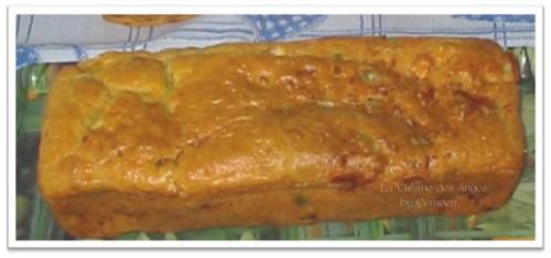 recette de cake salé aux courgettes, fromage de chèvre et lardons