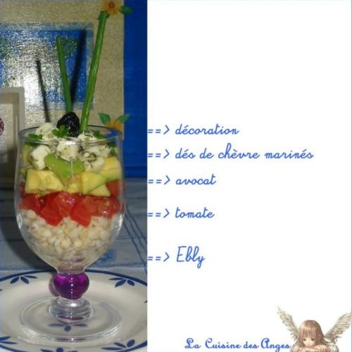 Recette d'entrée ou de Salade composée de blé, avocat, tomate et fromage de chèvre mariné, idéale pour un repas d'été ou un piqe-nique