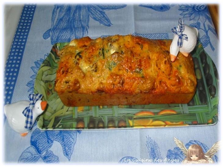 recettte de Cake aux Tomates Séchées, Féta, Chorizo, Basilic et Olives Noires