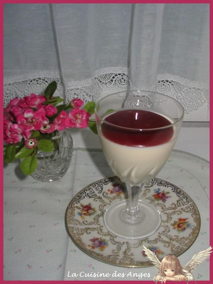 Recette de Panna Cota à base de crème et dl'Eau de Fleur d'Oranger, recette de  Coulis de Framboises