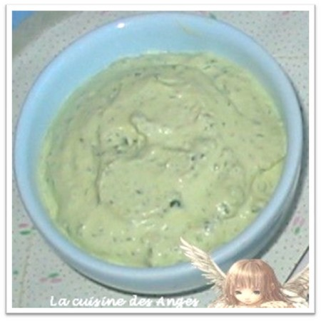 recette de crème à la crème fraiche et aux olives vertes pour accompagner une soupe aux légumes