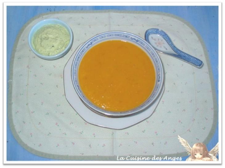 Recette de soupe maison à base de carottes, pomme de terre, tomates et autres légumes