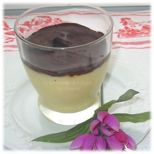 Recette de Crème à l'orange et à la bergamote avec un miroir de chocolat noir craquant