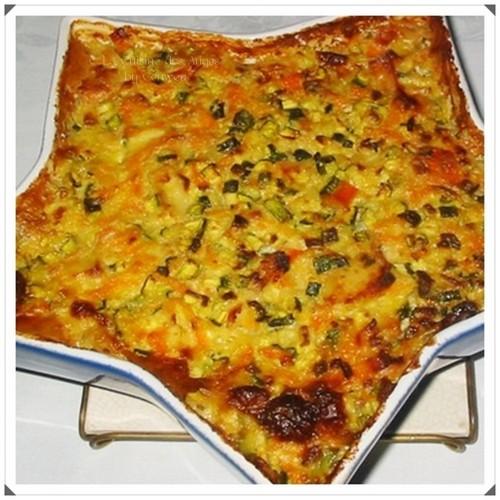 Recette économique de poisson blanc et de surimi cuisinés en gratin avec des petits légumes et une sauce au vin blanc à la crème