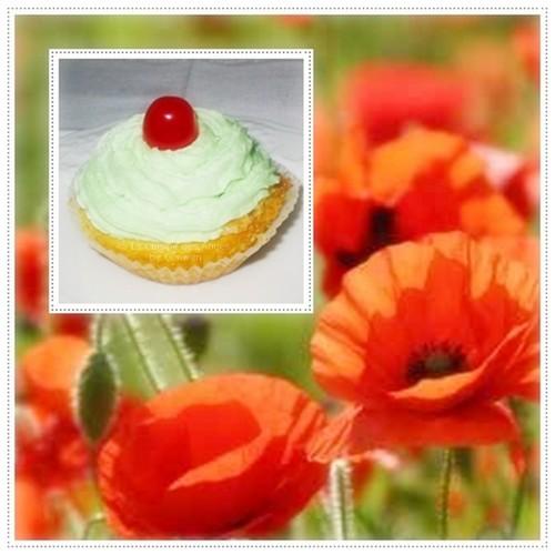 recette de cupcakes fourrés au confit de coquelicot avec un toping au beurre parfumé à l'amande
