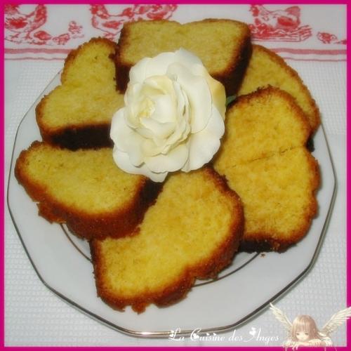 Recette de gâteau, recette de quatre quart parfumé à l'amande