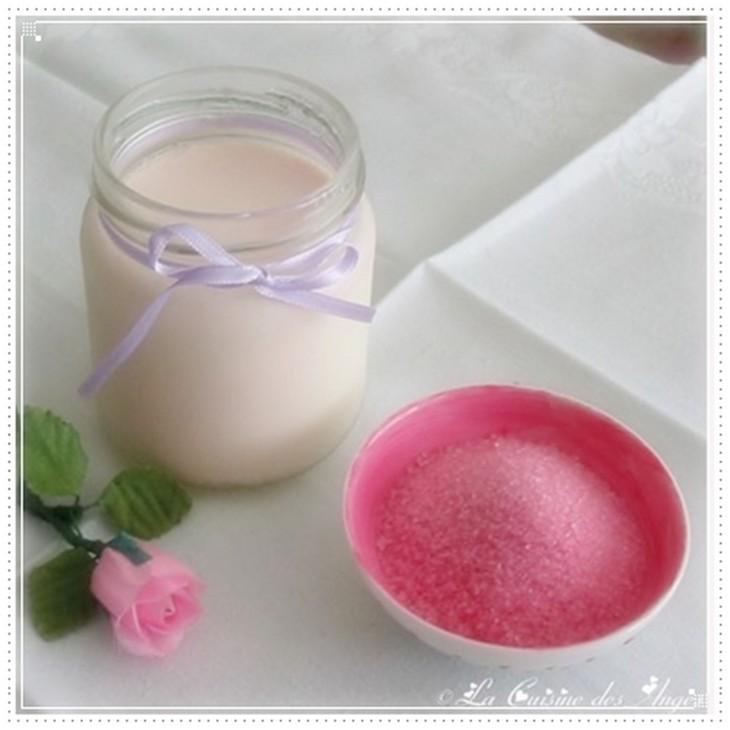 Recette de yaourt au sucre à la violette fait maison