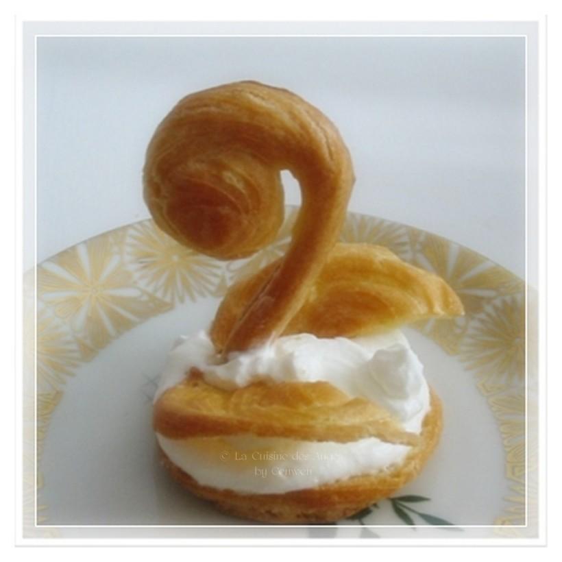 Recette de pâte à choux, recette des cygnes en pâtes à choux garnis de crème chantilly