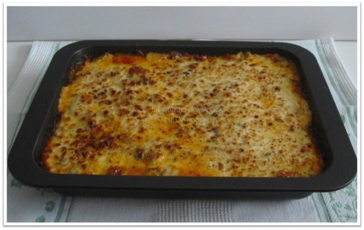 recette de lasagnes aux saucisses et champignons, lasagnes maison à la sauce tomates, aux saucisse et champignons à la sauce béchamel