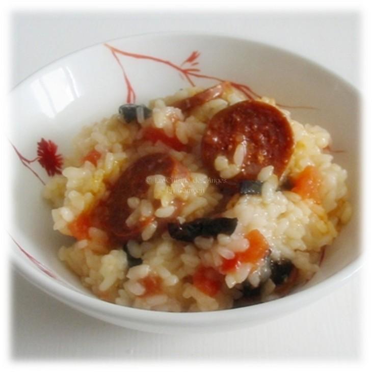 Cuisiner avec un petit budget, Recette traditionnelle de Risotto avec du Chorizo, de la tomate et des olives