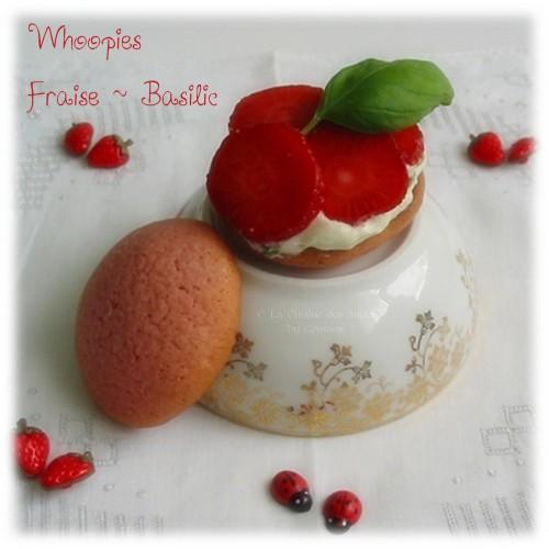 Whoopies aux Fraises et au Basilic, coques sablées roses, garnies de crème au basilic et de fraises, Cuisiner avec un petit budget
