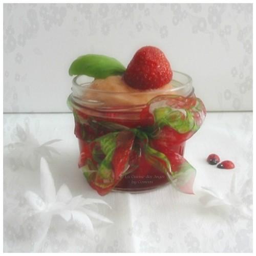 Dessert, Sorbet à la Rhubarbe accompagné d'une nage de fraises à la vanille