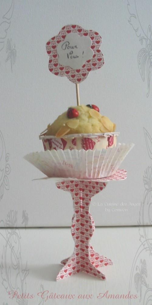recette de petits gâteaux ou muffins aux amandes