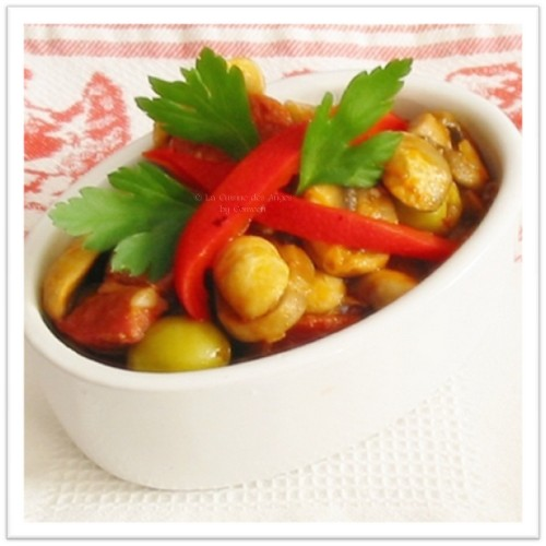 Recette de chapignons au chorizo et au lard, avec du piment, du poivron et des olives