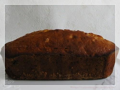 recette de gâteau, cake maison à la banane et au citron ave des baies de cranberries