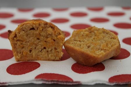 Les muffins carottes~cannelle  de Roseline du joli blog des copines de  ♥ Cupcakes, Baston et Talons Hauts ♥