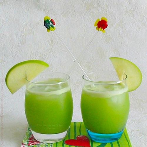 cocktail,  jus de fruits et légumes pomme verte concombre citron vert et basilic, avec ou sans alcool