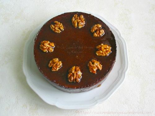 Le Cenwenoix, recette inspirée de l'Isernoix (la meilleure boulangerie de France sur M6) un gâteau régional aux noix et chocolat avec un nappage au caramel à la vanille