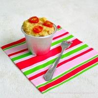 Gâteau de pain rassis salé au jambon et tomates cerises