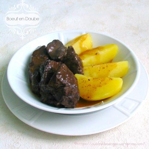 recette traditionnelle de la daube proveçale à base de viande de boeuf et de vin rouge, cuite au four
