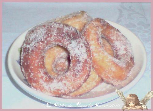 Recette écominque et classique des donuts, beignets américains, saupaudrés de sucre