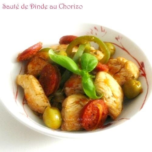 recette économique de sauté de dinde avec du chorizo, des olives, de la tomate et des poiivrons