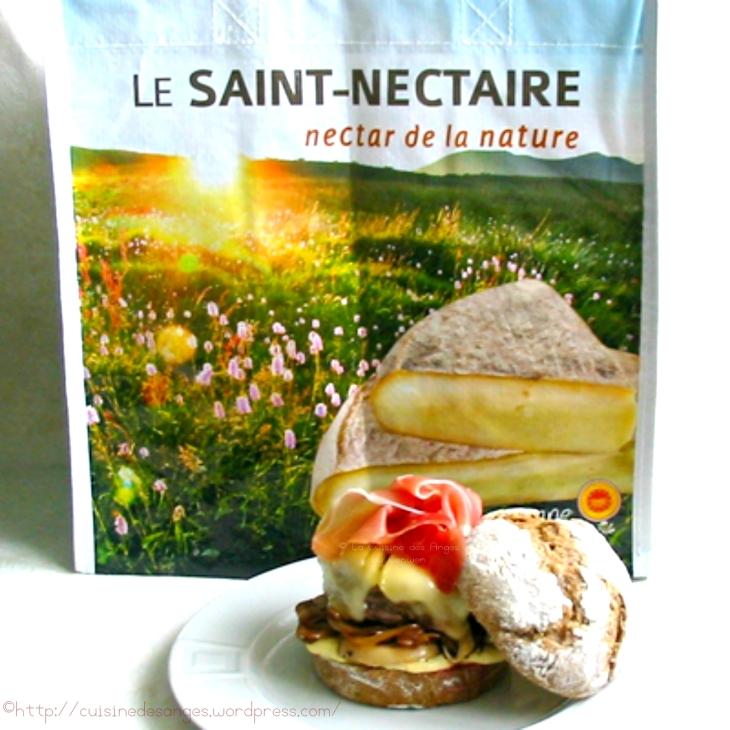 Saint Nectaire AOP et jambon d'Auvergne avec un hamburger maison au saint nectaire