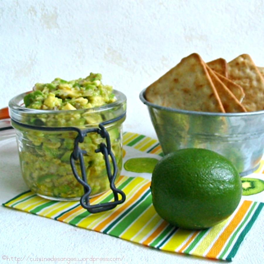 recette du féroce, entrée économique à base d'avocat, échalotte, piment, citron vert et huile d'olive