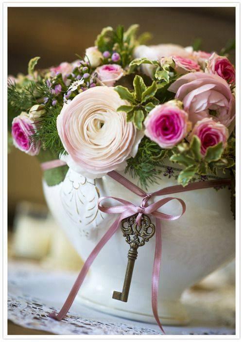 bouquet de roses roses et blanches
