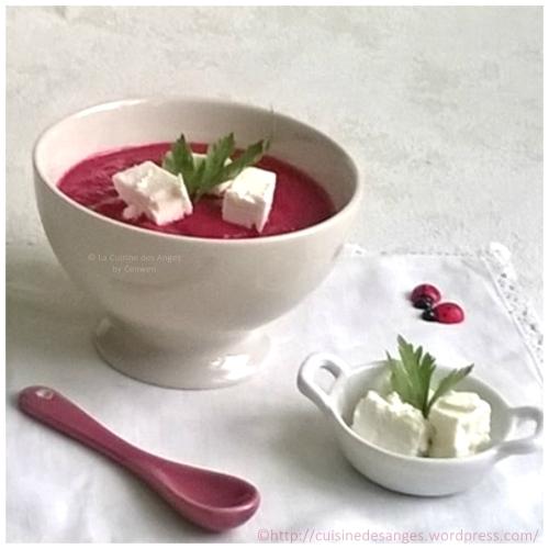 recette de soupe froide, idéale pour l'été, comme un gaspacho à base de betterave rouge, de concombre, d'oignon rouge légèrement relevée de tabasco