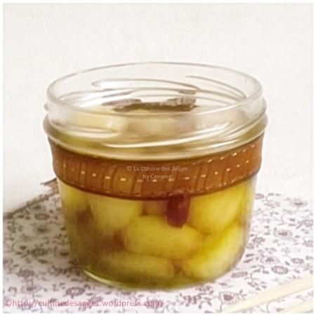 Recette de l'ail confit, gousse d'ail cuites ou confites dans de l'huile d'olive chaude avec des aromates