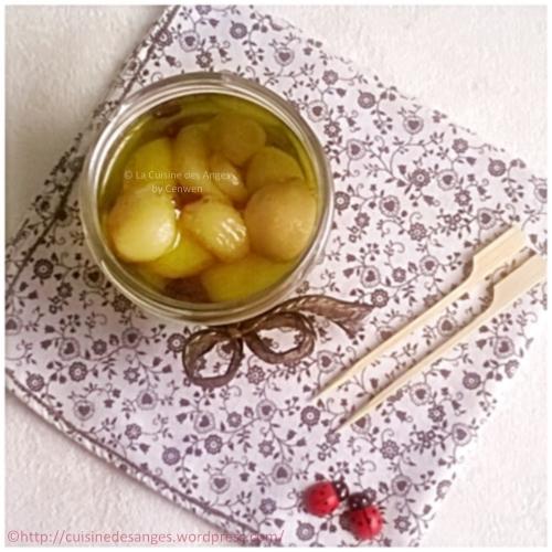 Recette économique et facile, ail confit à huile d'olive, pour l'apéritif ou à ajouter dans des plats