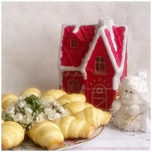 Recette de fêtes petit budget, pour l'apéritif, Petits croissants  au Roquefort, abricots secs et noix