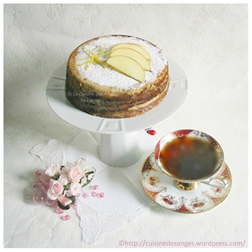 recette facile de gâteau de crêpes avec de la compote de pommes, cuisson au four