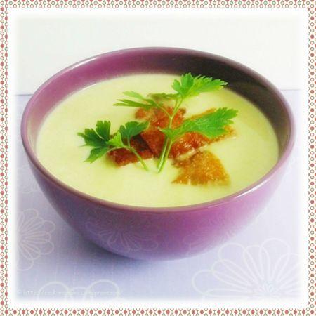 recette économique  de soupe maison à base de poireaux et de pommes de terre