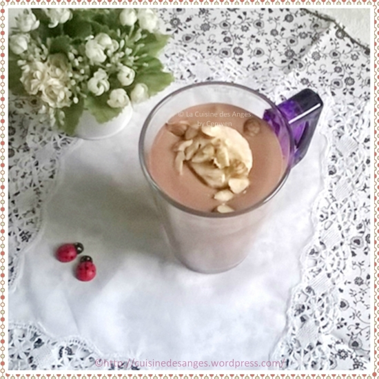 Milk shake au lait de soja, tofu soyeux, cacao et banane