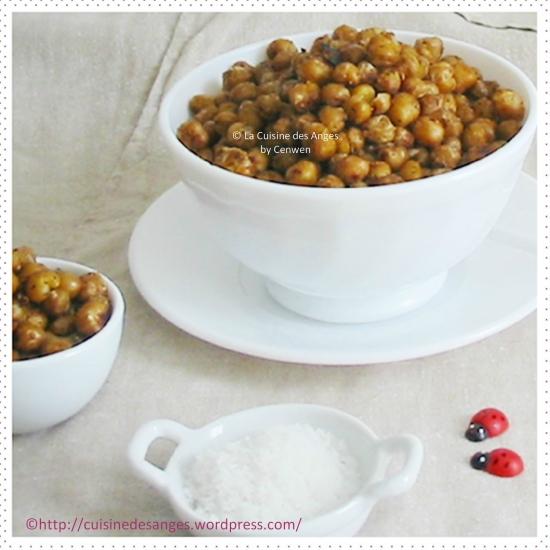 recette économique d'entrée ou encas, pois chiches grillés à la poêle avec de l'huile d'olive et des épices